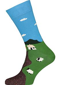 Happy Socks Little House On The Moorland Sock, unisex sokken, groen met blauw landschap