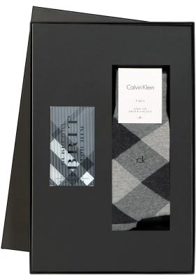 Heren cadeaubox: Burberry Brit parfum met bijpassende Calvin Klein sokken