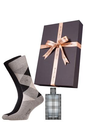 Heren cadeaubox: Burberry Britt parfum met bijpassende Calvin Klein sokken